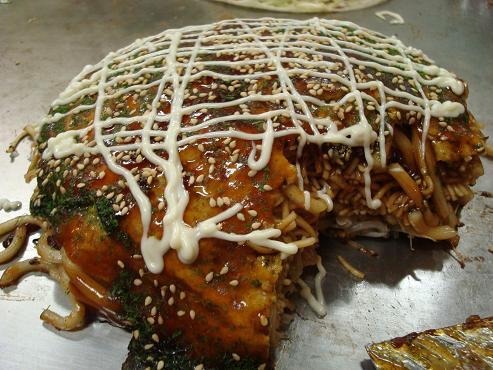 okonomiyaki typisch japanische gerichte japan. Black Bedroom Furniture Sets. Home Design Ideas